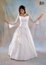 Tak takéto podobné šaty budem mať.