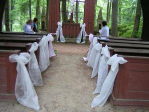 pohled směrem k oltáři