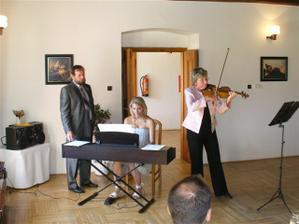 chvilka vážné hudby a Adamusovým triem-nádhera!!!