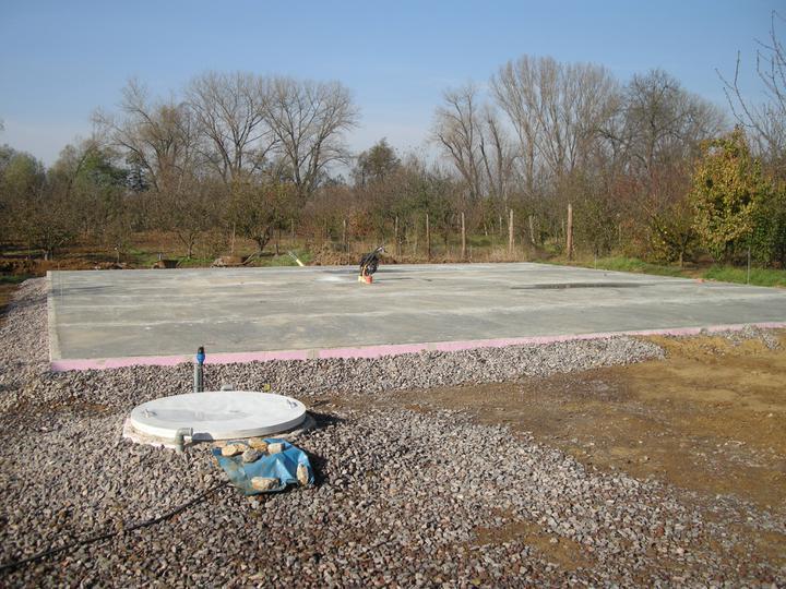 Bungalow 880 - zakladná doska hotova,/beton sme davali C30/