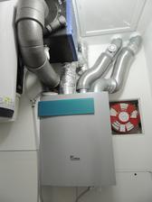 riadene vetranie s rekuperaciou tepla s entalpickym vymenikom a vodou chladenym vymenikom