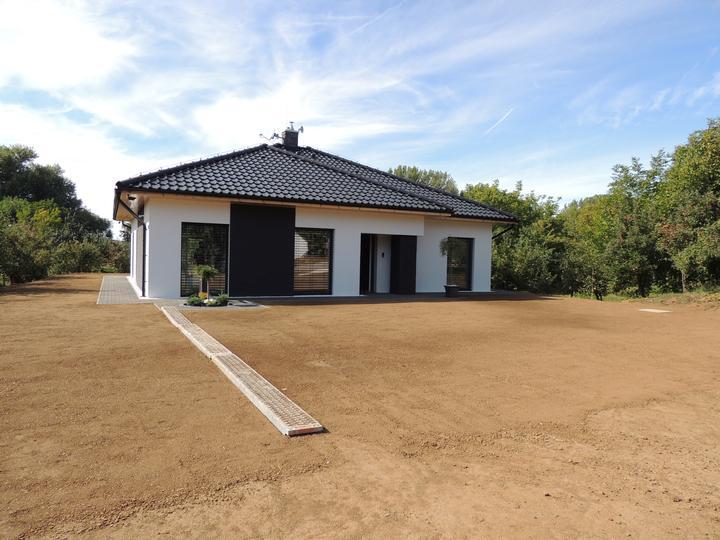 Bungalow 880 - trava zasadená