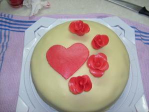 měl být pro miláčka k výročí...nakonec povýšil na dort zásnubní...:)