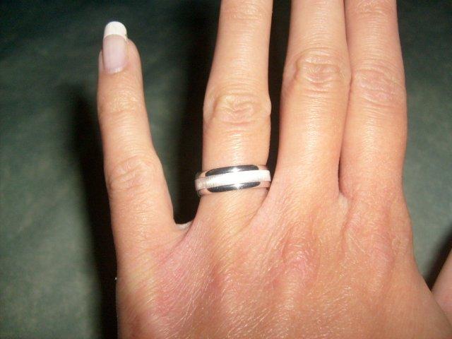 A na prstíku...