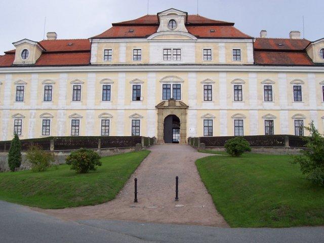 Tak snad tady..obřad...zámek Rychnov nad Kněžnou