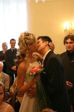 ...potom pusinka (tu jsme si pořádně vychutnali - je to vidět i na výrazech svatebčanů :-))...
