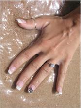 zásnubní:-) na prstíku od 18.8.2010