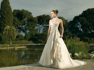 moje nádherné šaty, ale v bielom...