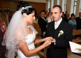 Petře, tento prsten je znamením věrnosti.