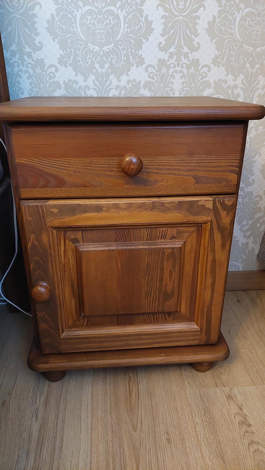 Masívny nábytok - Obrázok č. 1