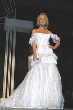 svateb. šaty ČR roku 2005.....do nich bych asi nešla:-)