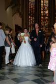 Svatební šaty + doplňky, 42