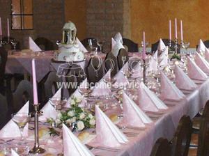 Svatební stůl bych chtěla do růžova