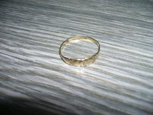 Zásnubní prstýnek už skoro 5 let tak je načase ho vyměnit za snubní :-)