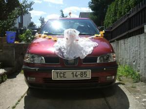 foto mého autí bohužel foceno až druhý den tak už to je celé pochroumané