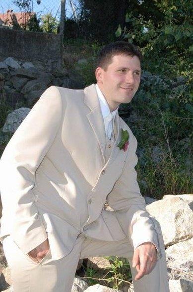 MARIKA{{_AND_}}MATKO - môj milovaný mladomažel v ten deň žiaril:-)