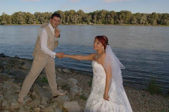 MARIKA{{_AND_}}MATKO - momenta pri Dunaji