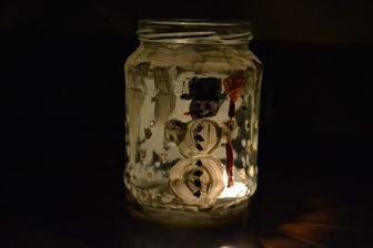 a takto to vezeralo,keď som zhasla svetlo a dala do vnútra sviečku :)