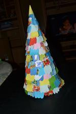 hotovo,môj netradičný lupienkový stromček :)