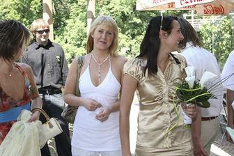 svědkyně, sestra nevěsty Markétka