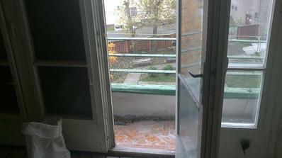 mini balkonik, ale na bielizen staci ;)