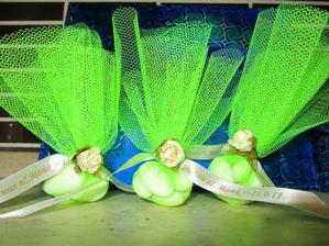 taaaak, práve som dorobila balíčky s mandľami pre hostí :)