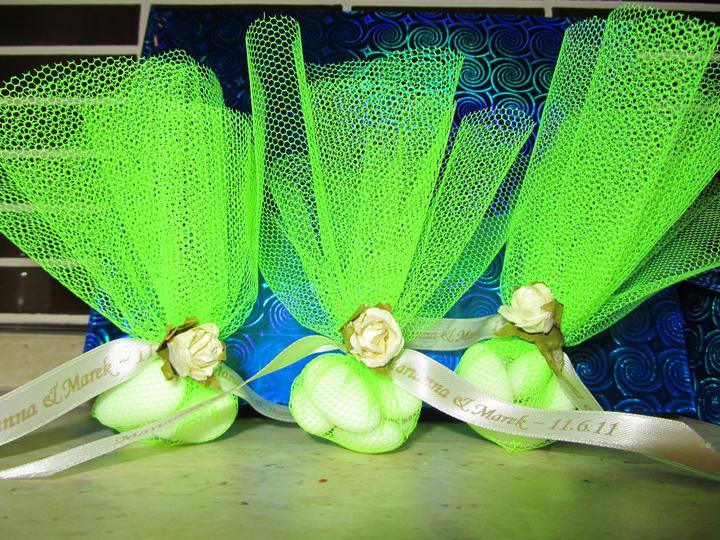 Krok za krokom - taaaak, práve som dorobila balíčky s mandľami pre hostí :)