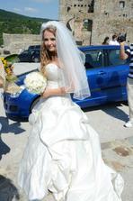 ja a moje autko - chcela som ho za svadobne, ale ma ukecali na vacsie :/