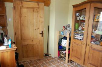 předsíň, dveře do kuchyňo-obýváku