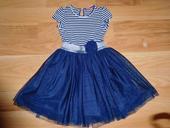 Šaty s tylovou sukňou, 116
