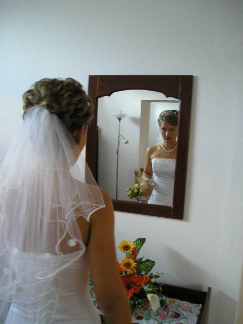 Szilvi{{_AND_}}Laci - doma pred zrkadlom...