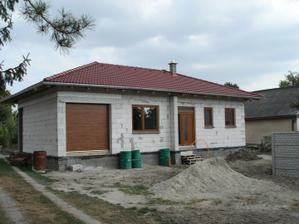 okná a brána hotové