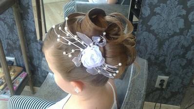 Síce je to účes na malom dievčatku, ale páči sa mi :-)