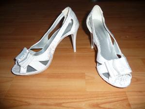 Topánôčky - troška tlačia :-(
