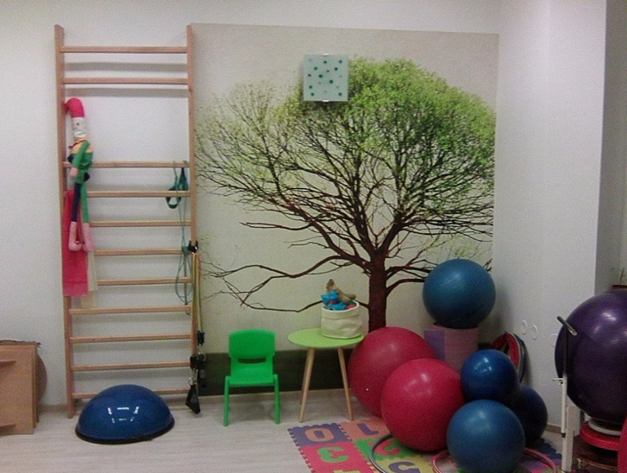 Inšpirácie s tapetami - realizácie v interiéroch - Fototapeta na mieru latexová - interiér detskej rehabilitácie v zdravotníckom zariadení AVICA v Ostrave