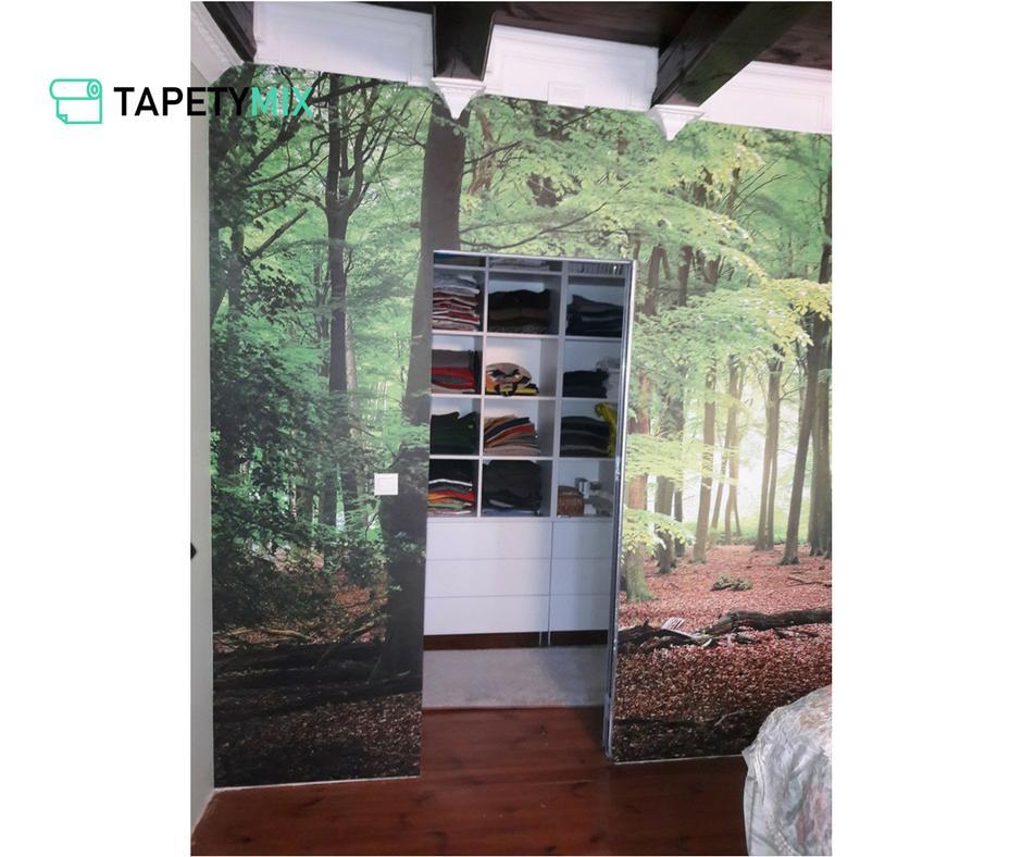 Inšpirácie s tapetami - realizácie v interiéroch - tapeta vliesová na šatníkovej stene, tapetovanie Decotrend
