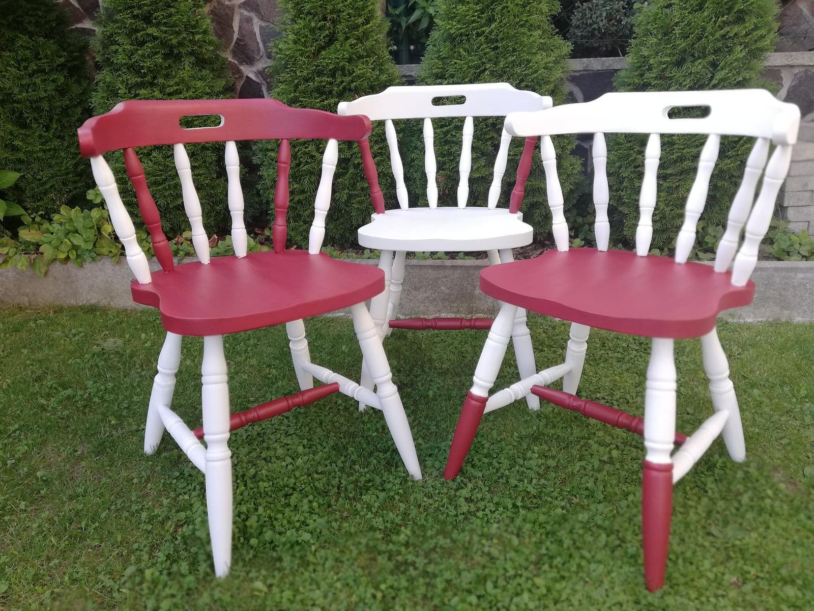 Redizajnujeme, maľujeme, tvoríme - na renováciu stoličiek použité kriedové aj minerálne farby Decotrend