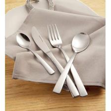 příbory.... jednoduchá línie a mají i dessertní vidličky...