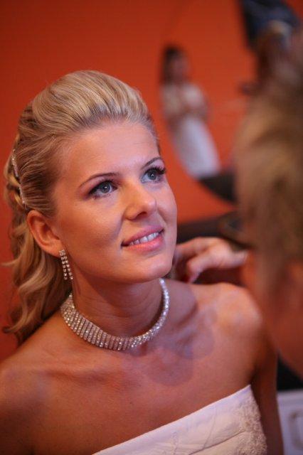 Sandra a Luboš Pavlíkovi 19.září 2008 v 11:00 - Krásná nevěsta....