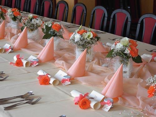 Pavla a Pavel - Aj stolovanie, tak ako kytica - vo farbe čajovej ruže....