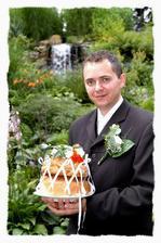 Pavel priniesol svadobný chlieb, ja som mala preňho tiež.