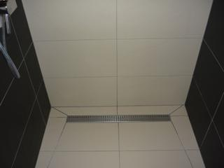 Kúpelne-parametre + zaujímavosti - ukážka osadenia lišty v sprchovacom kúte