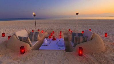Aj v takomto prostredí môžete večerať vo Vellasaru, na Maledivách