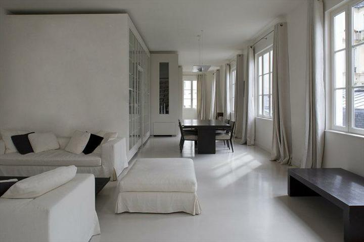 Biely interiér a jeho dekorácie - ABSTRACTION ACTIVE WHITE ON WHITE LOFT IN PARIS by Smoothcore Architects