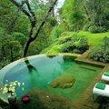 Bazén do ktorého by som hneď skočila a pri ňom relaxovala :-)