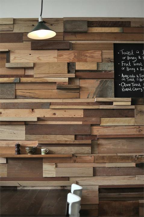 Vychytávky do kuchyne a interiéru - keď neviete čo sto starými doskami použite ich na stenu