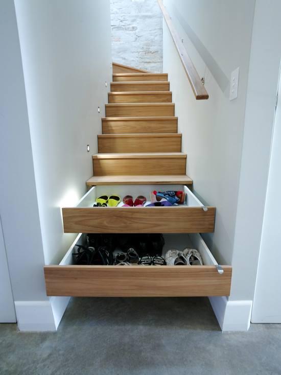 Vychytávky do kuchyne a interiéru - úložný priestor v schodoch