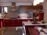 Kuchynská linka robená do rodinného domu
