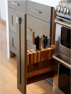 Vychytávky do kuchyne a interiéru - výsuv s nožami