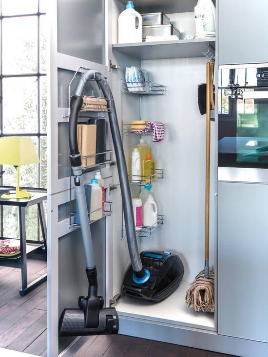 Vychytávky do kuchyne a interiéru - šikovne vyriešený úložný priestor v kuchyni